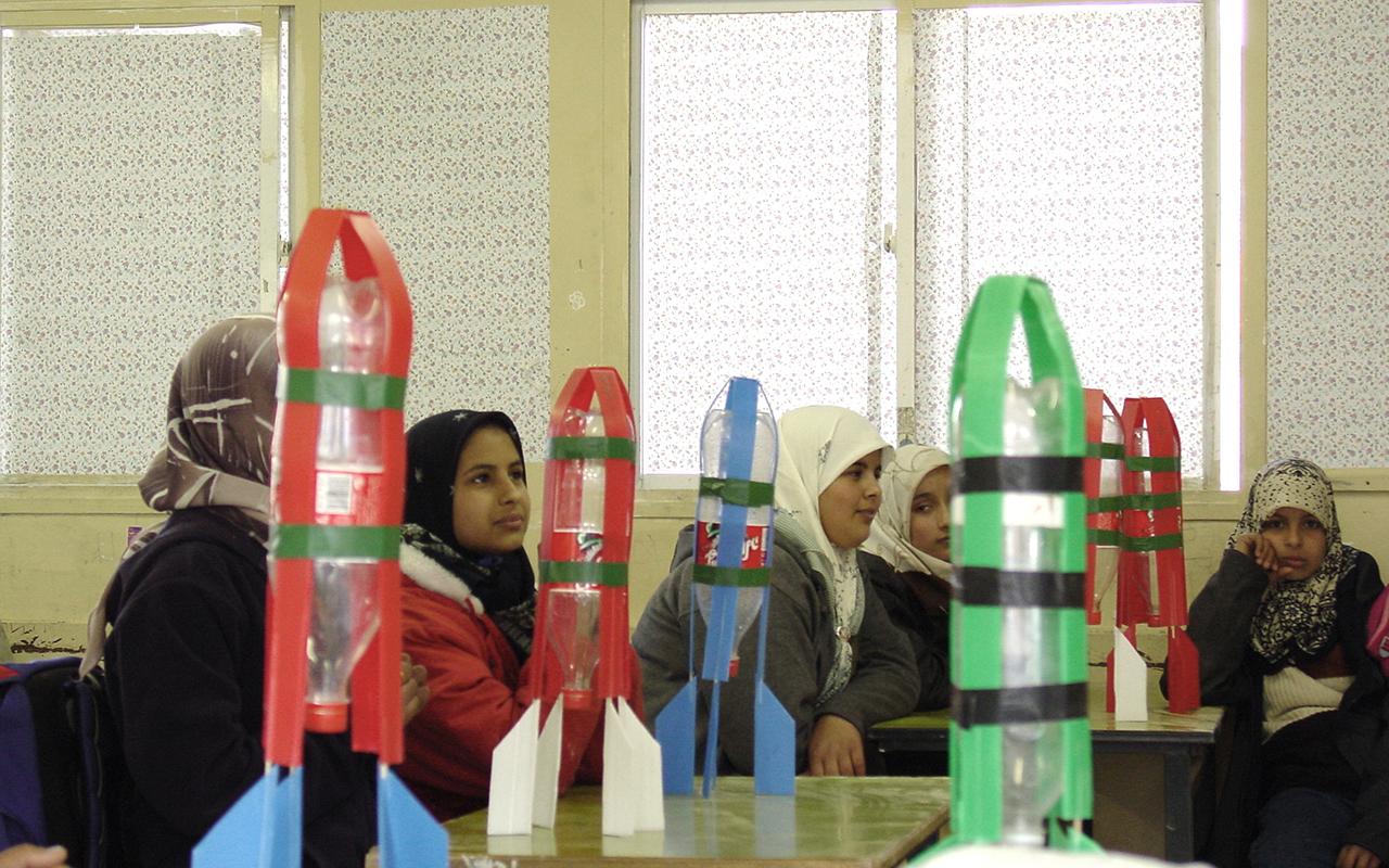 בדואים בשיעור בניית טילים1